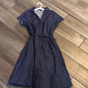 Vintage style button up short sleeve dress.